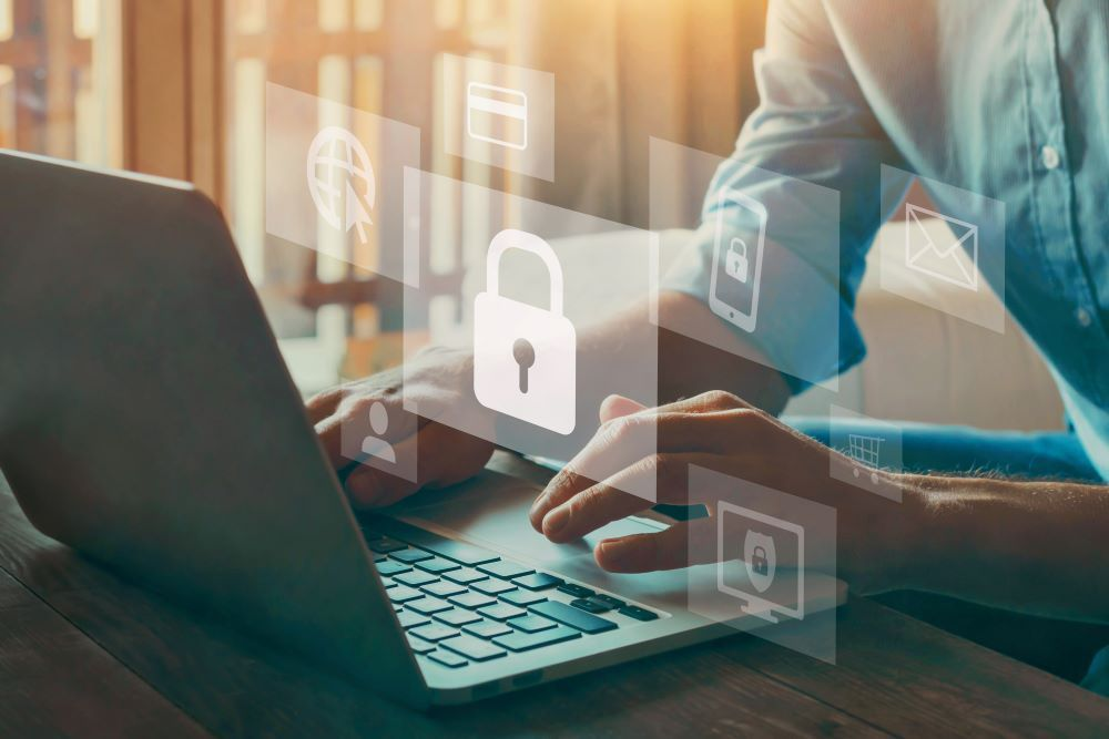 テレワークのセキュリティリスクを踏まえた対策の基本を解説