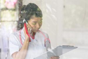 PHSのサービス終了で病院や介護施設が対応すべきこととは?
